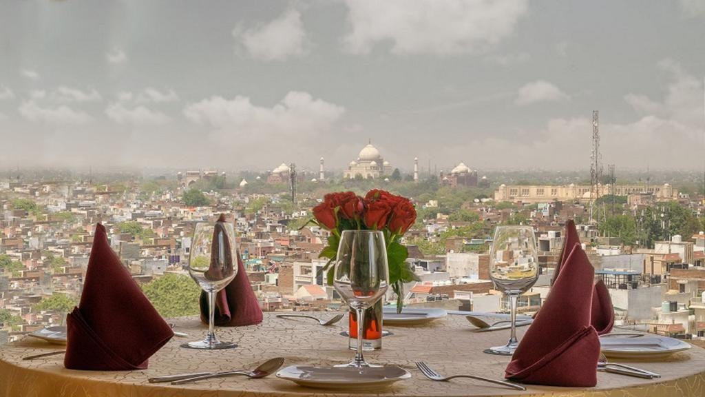 Taj Mahal view hotels Agra
